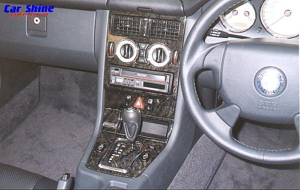 SLK 320 2000/1 - R$ 70.000 Mercedes%20SLK-Klasse%20Interior%20Black%20Wood%20Kit%20View
